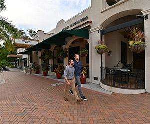 Try a Self-Guided Walking Tour Around Sarasota